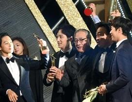 """Kim Soo Hyun liên tiếp """"giật"""" giải Daesang với vai diễn gây tranh cãi"""