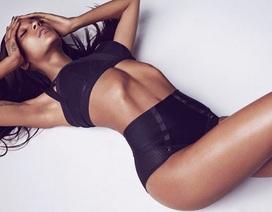 Chân dài 9x công khai mỉa mai show diễn của Victoria's Secret