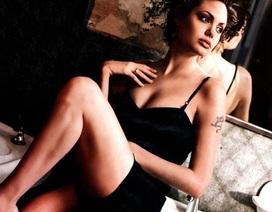 Rao bán ảnh nude nghệ thuật của Angelina Jolie