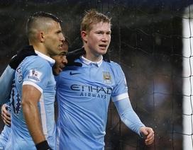 Đè bẹp Southampton, Man City giành lại ngôi đầu bảng