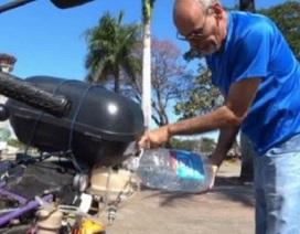 Xe mô tô chạy 500 km bằng... 1 lít nước