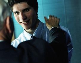 Học cách kết nối với nhân viên cũ
