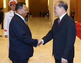 Chủ tịch Quốc hội Nguyễn Sinh Hùng hội đàm với Chủ tịch Thượng viện Vương quốc Campuchia