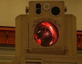 Mỹ giới thiệu pháo laser chỉ nhỏ bằng chiếc vali