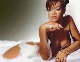 """Rihanna bất ngờ tự nhận mình là người phụ nữ """"truyền thống"""" trong tình yêu"""