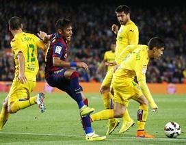 """Barcelona và chuyến đi """"bão táp"""" đến Coliseum"""