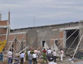Sập công trình trung tâm hội nghị, 1 người chết, 4 người bị thương