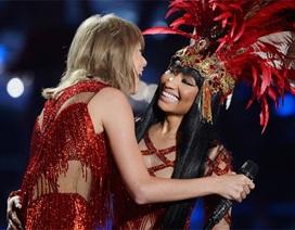 Những khoảnh khắc ấn tượng nhất tại lễ trao giải MTV VMAs 2015