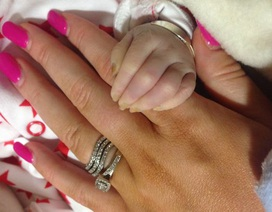Câu chuyện cảm động về em bé hiến tạng nhỏ nhất nước Anh