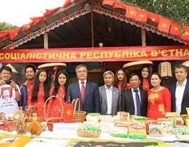 Việt Nam lần đầu tham dự hội chợ truyền thống 300 năm của Ukraine