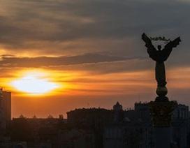 Tài phiệt Ukraine họp kín, cảnh báo chính quyền Poroshenko
