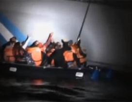 Lực lượng bảo vệ bờ biển Hy Lạp cố tình đâm chìm bè dân tị nạn