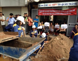 """Đi ngược lòng dân, bất chấp Phó chủ tịch chỉ đạo, quận Ba Đình """"thúc"""" xây cống mới"""