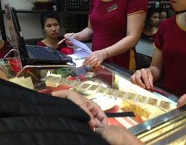 Giá vàng và USD bật tăng phiên đầu tuần