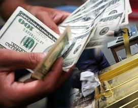 """Vàng quốc tế xuống đáy 5 năm: Vàng SJC giảm nhẹ, USD """"neo"""" mức cao"""