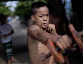 Cận cảnh lò luyện võ vỉa hè của thanh niên Myanmar
