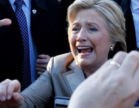 """Người ủng hộ đảng Dân chủ """"tố"""" giám đốc FBI gây ra thất bại của Clinton"""