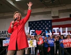 """Bà Clinton tính chọn """"bóng hồng"""" làm ứng viên phó tổng thống"""