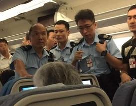 Du khách Trung Quốc bị bắt vì hành động xấu trên máy bay