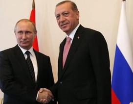 Tổng thống Thổ Nhĩ Kỳ lần đầu xuất ngoại sau vụ đảo chính, tới Nga gặp Putin