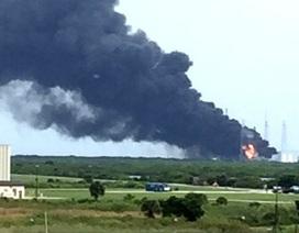 Tên lửa SpaceX của Mỹ nổ tung tại bệ phóng ở Florida