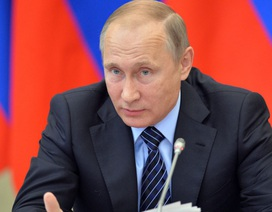 Tổng thống Putin chỉ trích cả Clinton và Trump