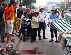 Hà Nội: Cháu bé đi xe đạp bị tôn cứa vào cổ tử vong
