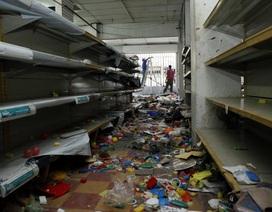 """Venezuela """"vùng vẫy"""" trong khủng hoảng đổi tiền"""