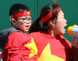 Hình ảnh người Việt ở Séc biểu tình phản đối Trung Quốc