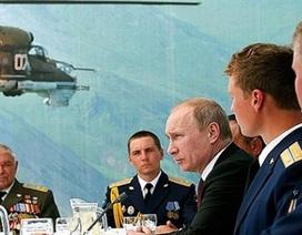 Putin đột nhiên cho 10 tướng lĩnh nghỉ việc