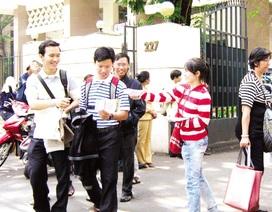 Sinh viên hối hả kiếm tiền dịp Tết