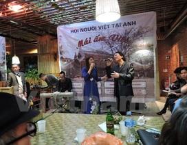 """Kiều bào tại Anh hội ngộ tại sự kiện """"Mái ấm Việt"""" 2016"""