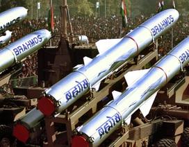 Ấn Độ đưa tên lửa siêu thanh tới sát khu vực biên giới với Trung Quốc