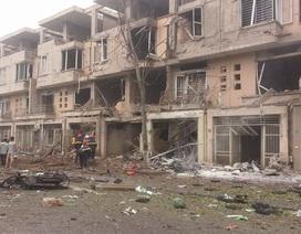 """Hiện trường tan hoang """"chưa từng có"""" của vụ nổ kinh hoàng ở Hà Nội"""