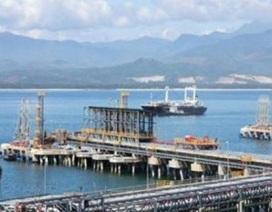 Có nên ủng hộ Dung Quất tự tính giá bán xăng dầu?
