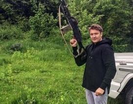 Thiếu gia Nga dùng súng trường khoe đẳng cấp xa xỉ