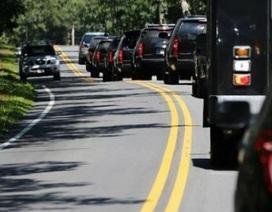 Obama đi chơi golf, cả đoàn chục chiếc xe hộ tống