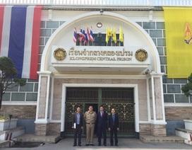 Thăm công dân Việt đang bị giam giữ tại Bangkok