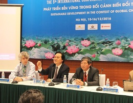 """Bộ trưởng Phùng Xuân Nhạ: """"Không thể tự chủ đại học một cách ào ạt"""""""