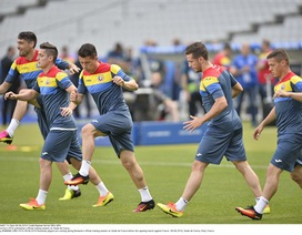 Romania làm quen với Stade de France chuẩn bị cho trận khai mạc
