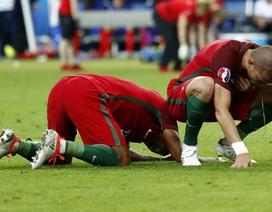 Pepe nôn ngay trên sân trong trận đấu với Pháp