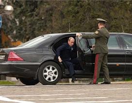 """Hình ảnh """"siêu xe"""" mới của Putin"""