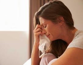 Vợ bầu quần quật kiếm tiền, chồng ở nhà cặp kè giúp việc trẻ