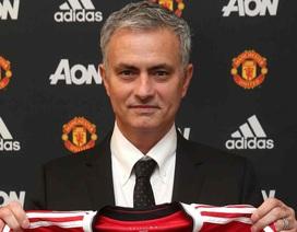 HLV Mourinho chính thức ra mắt MU với mức lương 15 triệu bảng/năm
