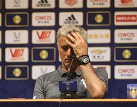 Cung bậc cảm xúc của Mourinho ở trận thua đầu tiên tại MU