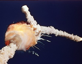 Nhìn lại vụ nổ thảm khốc của tàu con thoi Challenger