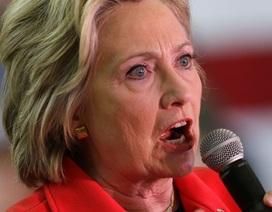 """Hillary Clinton """"nhại"""" giọng chó khiến khán giả bật cười"""