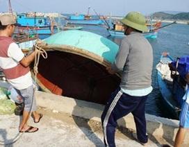 Hà Tĩnh ưu tiên hỗ trợ ngư dân đóng tàu lớn đánh bắt cá xa bờ