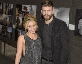 """Shakira mặc """"bạo"""" đi dự sự kiện cùng chồng trẻ"""