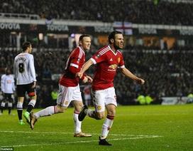 Rooney lập siêu phẩm, Man Utd vượt qua Derby County